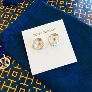 🛍Natural Freshwater Pearls Tory Burch Earrings